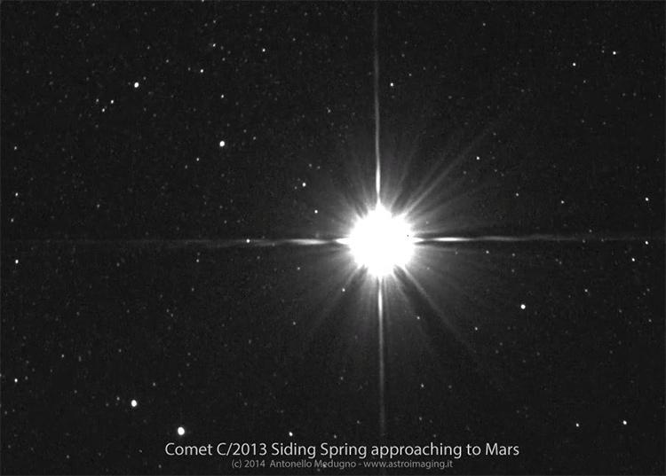 animazione marte+cometa C/2013 A1
